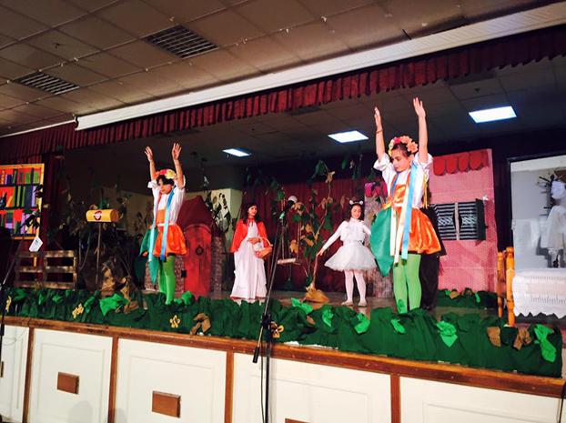 Παρουσίαση της Σκουφοκοκκκινίτσας στο 2ο Δημοτικό Σχολείο Σαλαμίνας